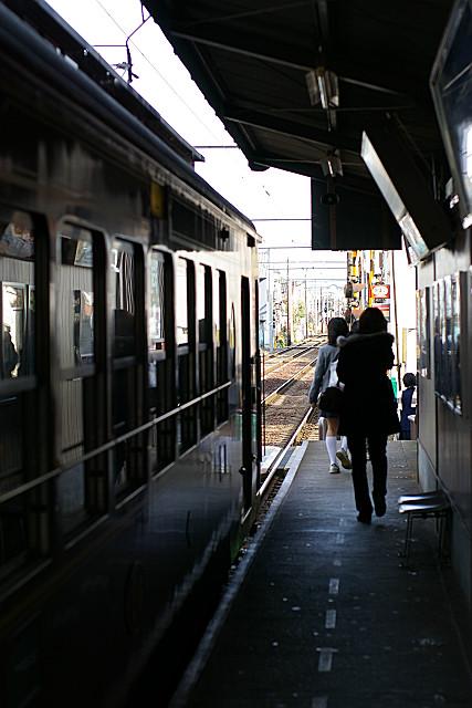 鹿王院駅到着