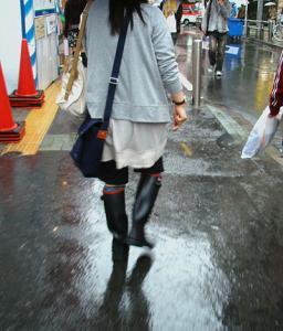 都会の梅雨