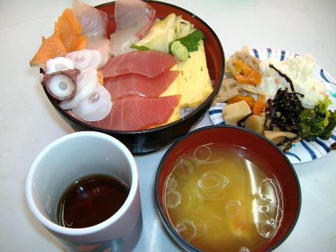築地めし丸本店・魚河岸丼2