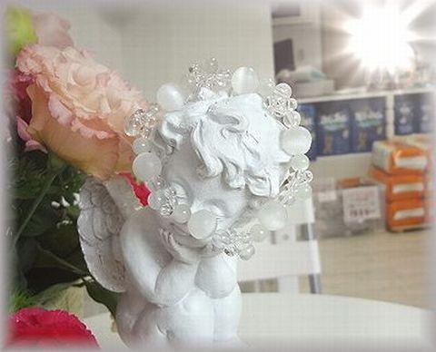 天使とブレスと花