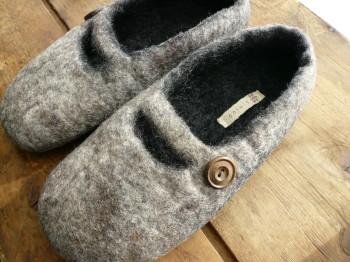 room shoes black