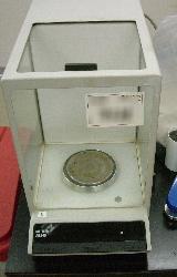 研究室の秤