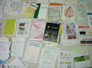 化粧品の原料資料