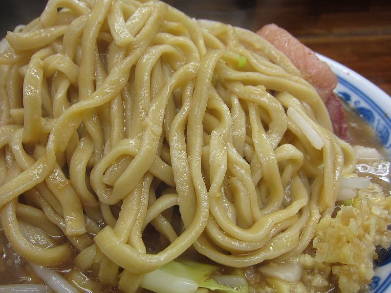 カタメの麺は美味しいですね♪