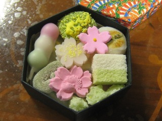 京のよすが  亀末廣  2011/4/16