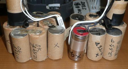 24電池パック内部電池