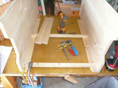 側板へ桟木取付