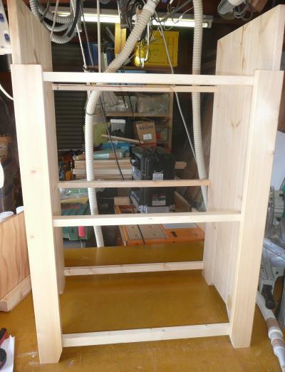 側板へ桟木取付完