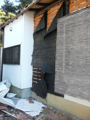 12地震T宅外壁落ち