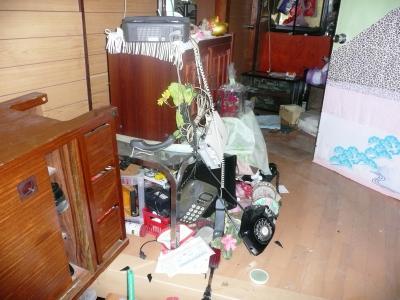 12地震T宅ガチャ玄関