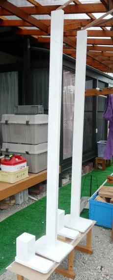 10洗濯竿台ペイント1