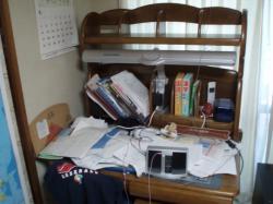 勉強するスペースなし