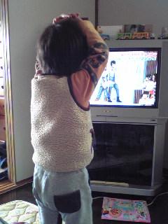 テレビ見てダンシング