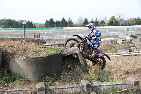 菅生楽さん (45)