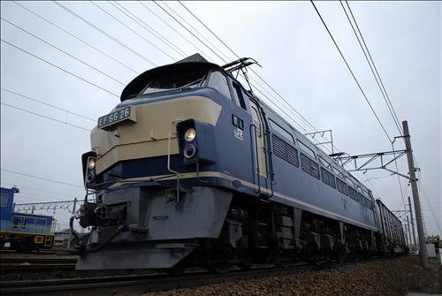2070レ  EF66-26