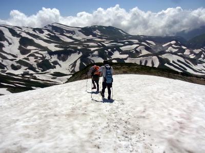 雪渓の空気はますます透明だ