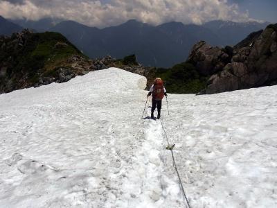 鬼岳へ向かう雪渓2