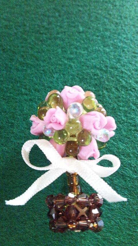 バラの鉢植えビーズ編み