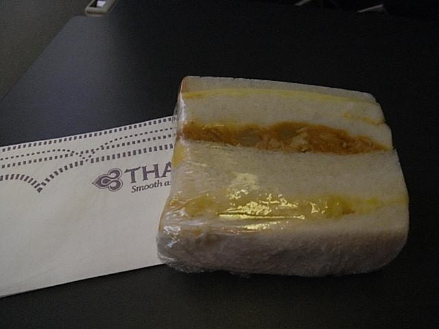 バンコク~チェンマイ間の機内食