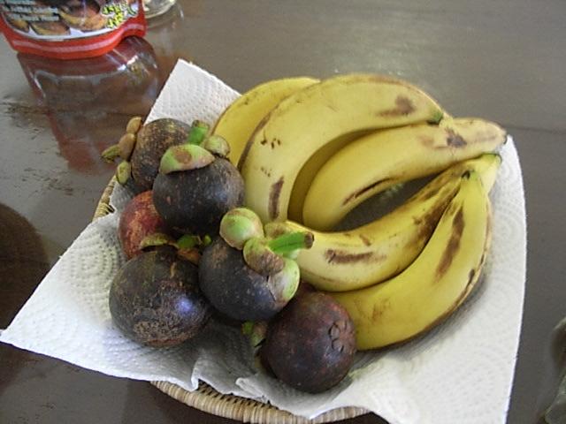 マンゴスチンとバナナ