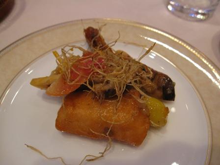雲南松茸と北海道産ツブ貝トラウトサーモンのソテー