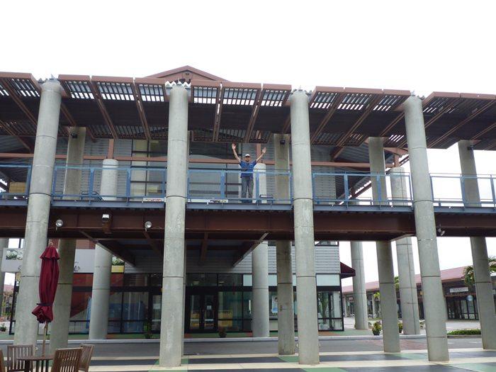 沖縄のアウトレットパーク! 『あしびなー』