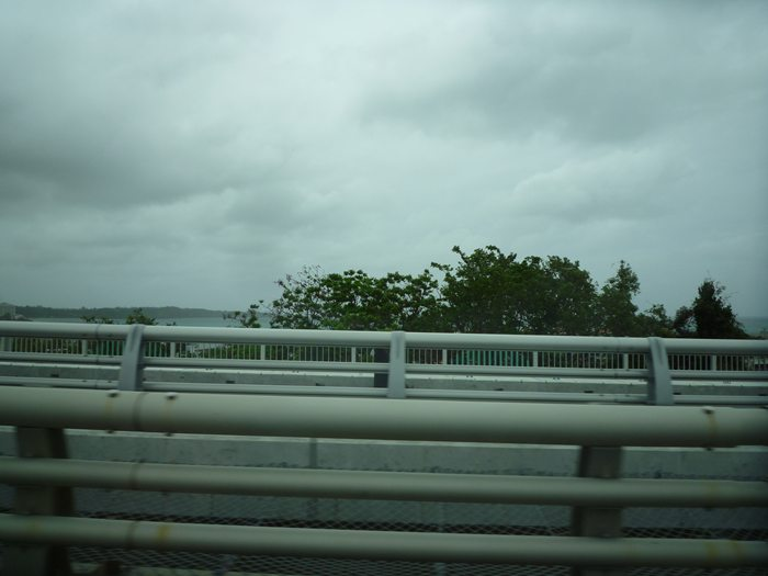 車から撮った 沖縄の海~~~!!!