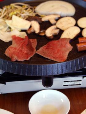焼肉用の鉄板