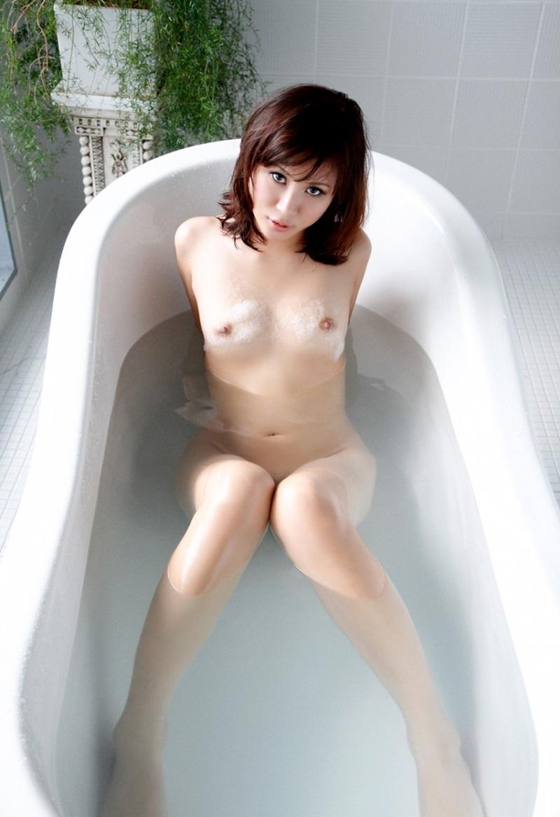 【No.9503】 バスタイム / 美咲あかり