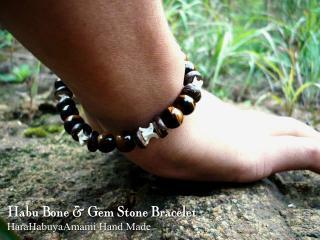 ハブ骨と天然石ブレスレット