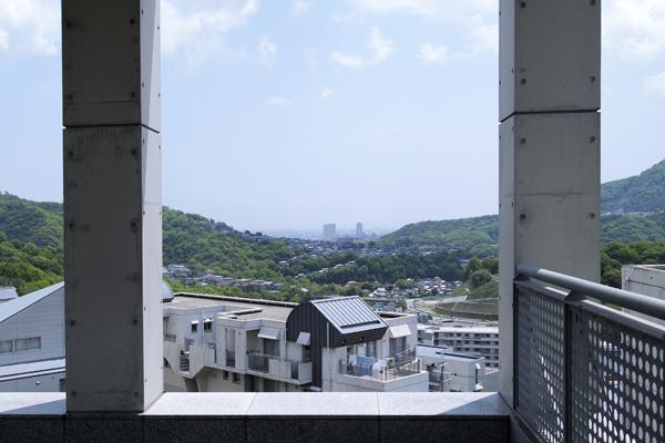 12・宝塚市内&大阪空港方面を望む