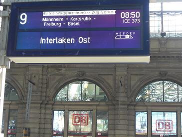 フランクフルトからインターラーケンまでの看板