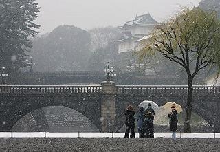 冬の皇居前広場