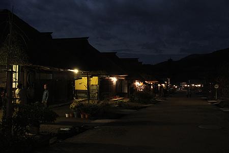 月夜の大内宿02