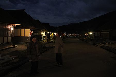 月夜の大内宿01