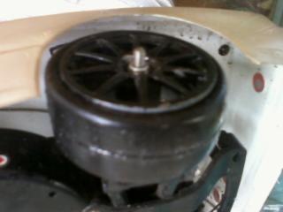 20120325_hrmrcc_r32s_tire_burst.jpg