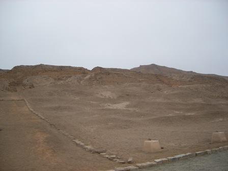 まだまだ発掘途中の為、立ち入れない場所あり