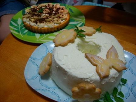 レモンのシフォンケーキとバナナタルト♪<br />