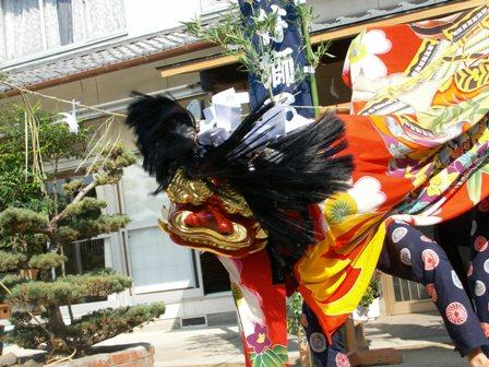 祭りの主役は獅子舞
