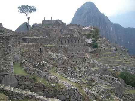 中は神殿や宮殿、居住区などに分かれている
