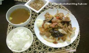 豚肉と野菜のオイスターソース炒め 納豆 春雨スープ ごはん