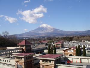 御殿場プレミアムアウトレット駐車場P7・3Fからの富士山