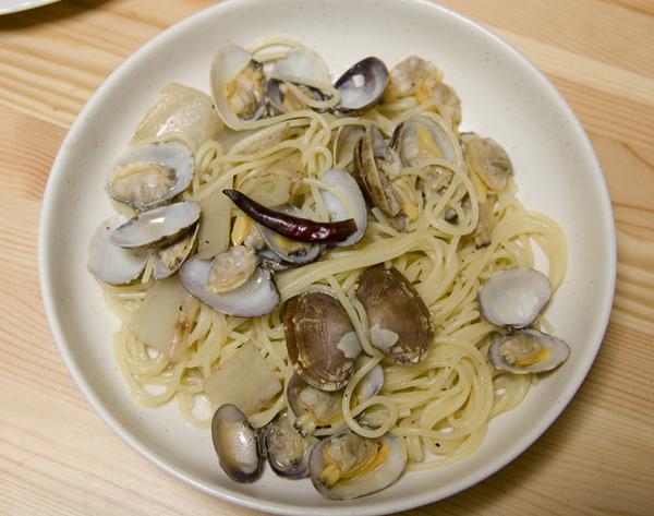 アサリとウドのスパゲティーニ