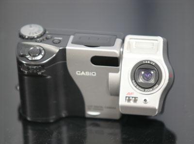 カシオのデジカメ QV-7000SX