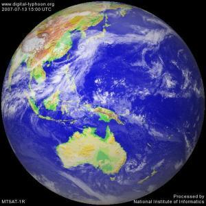 7月13日15時時点の台風接近衛星写真