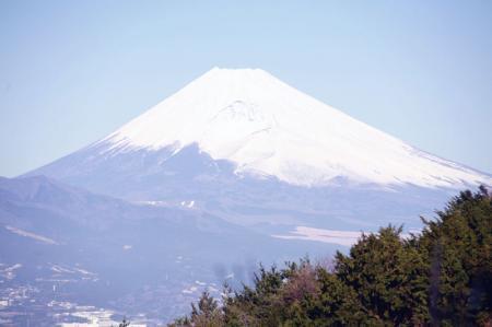 快晴の下の富士山遠景