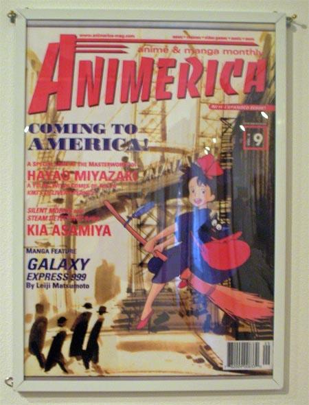 アメリカの雑誌の表示に大西さんの版画とアニメが競演