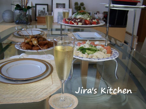 3熟女のテーブル
