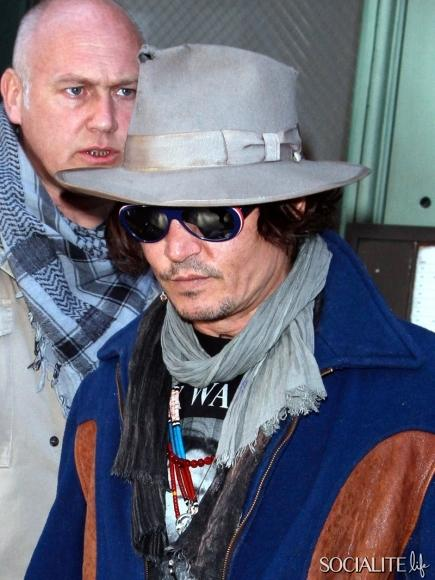 johnny-depp-hat-holes-02272012-02-435x580.jpg