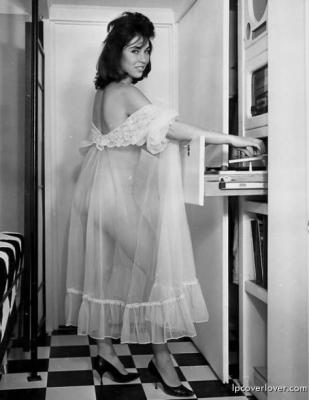 negligee-473x612-custom.jpg